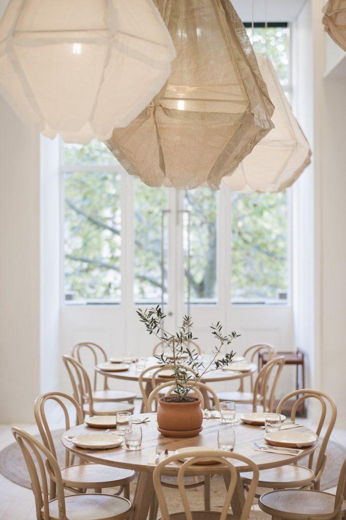 Restaurant - Bentwood No. 18