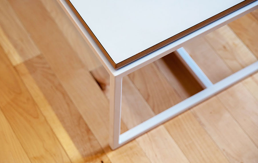Roy Table Detail Edge