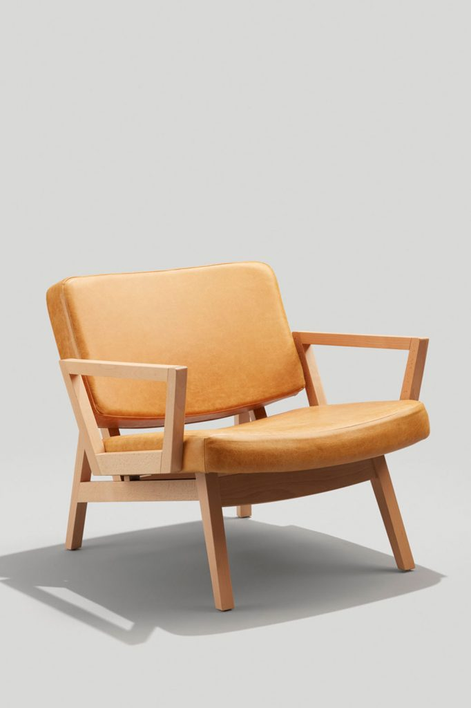 Andy Lounge Chair with Arms in Camel Leather and Natural Wood Finish