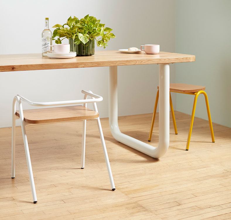Frankie Table with Hurdle Chairs