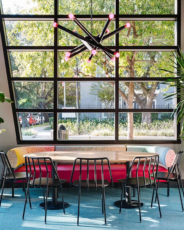 80s-Restaurant-Design